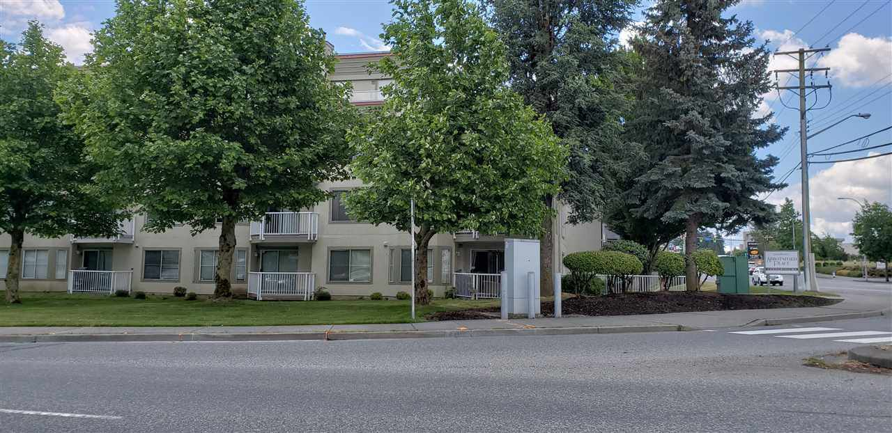 """Main Photo: 335 32830 GEORGE FERGUSON Way in Abbotsford: Central Abbotsford Condo for sale in """"Nelson Mews"""" : MLS®# R2275798"""