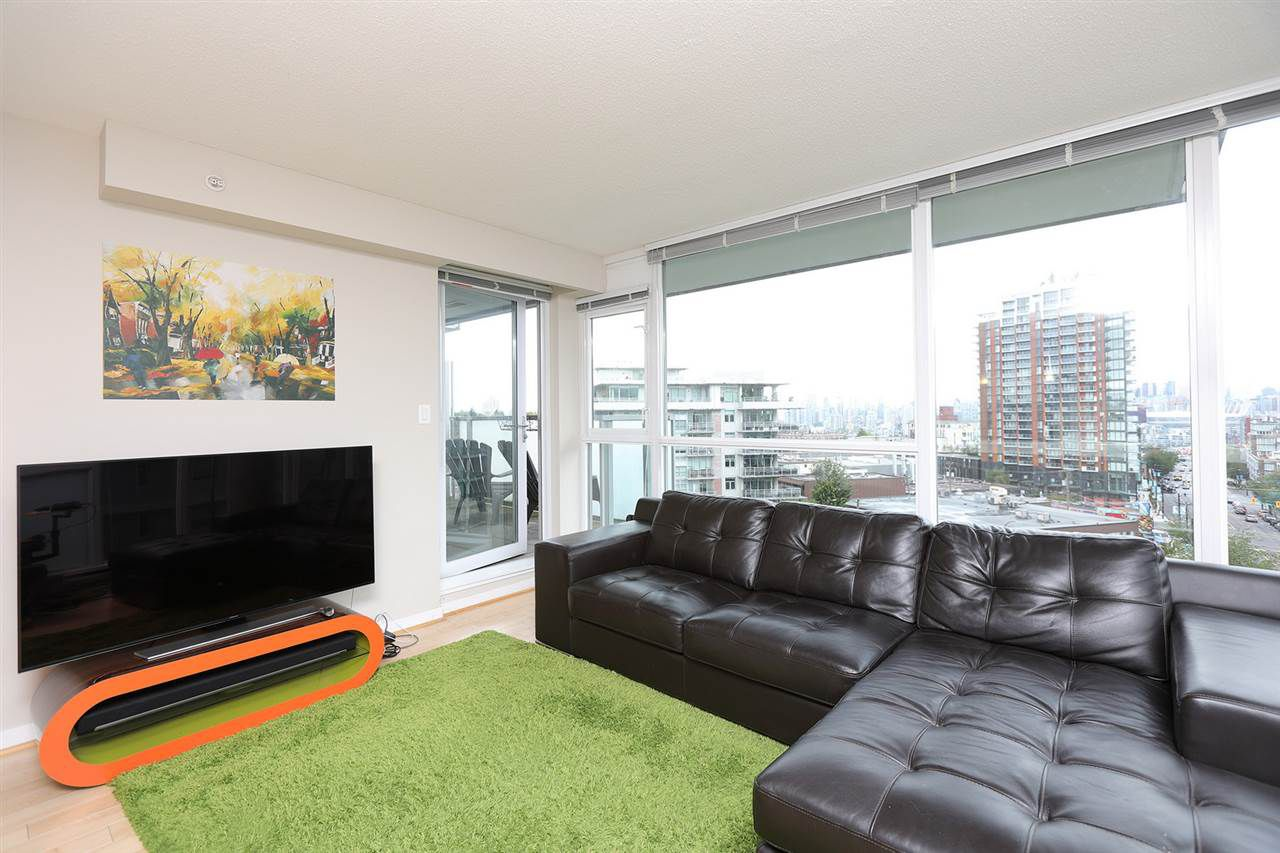 "Main Photo: 704 2770 SOPHIA Street in Vancouver: Mount Pleasant VE Condo for sale in ""STELLA"" (Vancouver East)  : MLS®# R2383328"