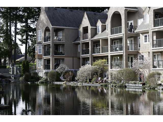 Main Photo: 105 5518 14TH Avenue in Tsawwassen: Cliff Drive Condo for sale : MLS®# V877749