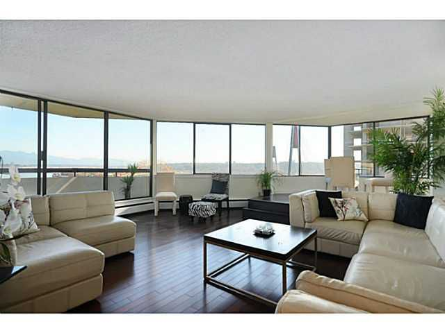 """Main Photo: 1203 31 ELLIOT Street in New Westminster: Downtown NW Condo for sale in """"ROYAL ALBERT TOWERS"""" : MLS®# V1038255"""