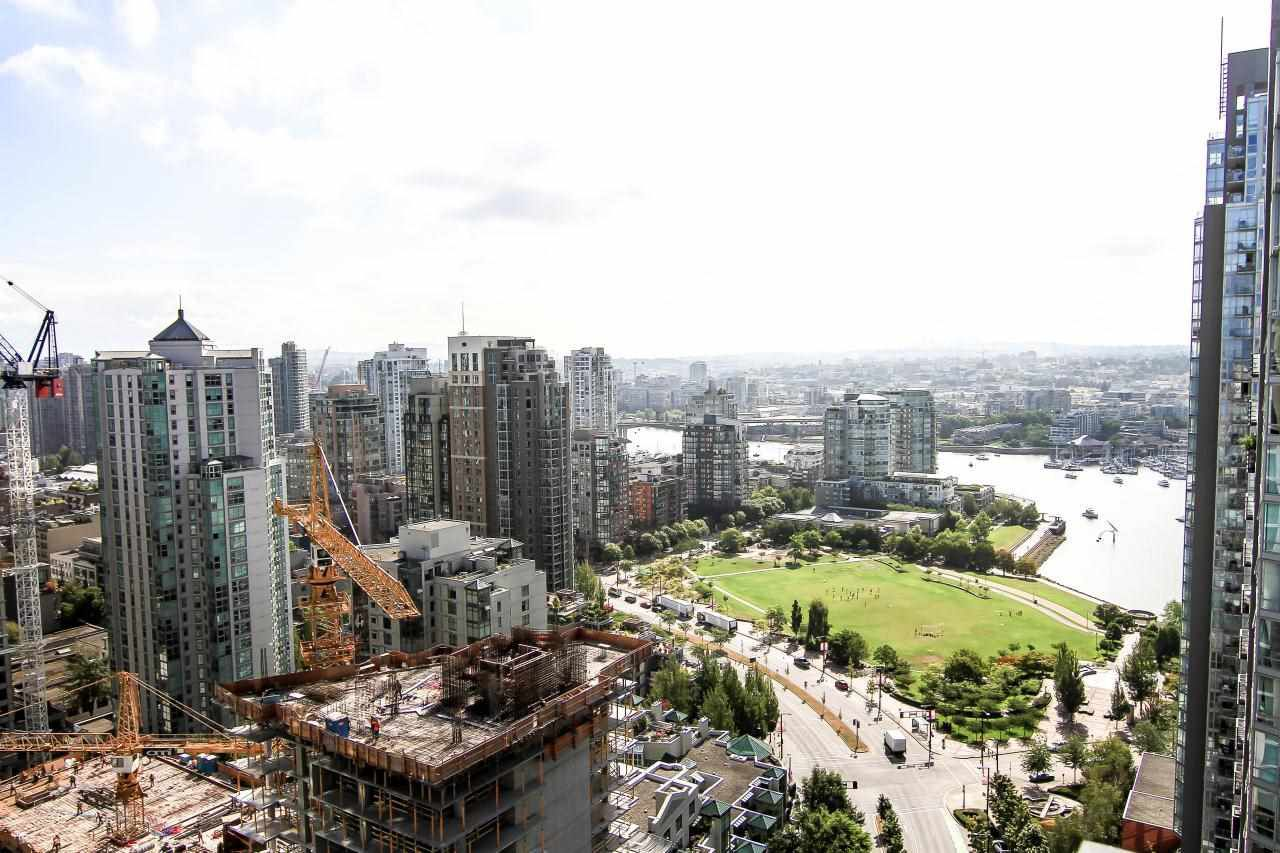 """Main Photo: 3307 1495 RICHARDS Street in Vancouver: Yaletown Condo for sale in """"AZURA II"""" (Vancouver West)  : MLS®# R2125744"""