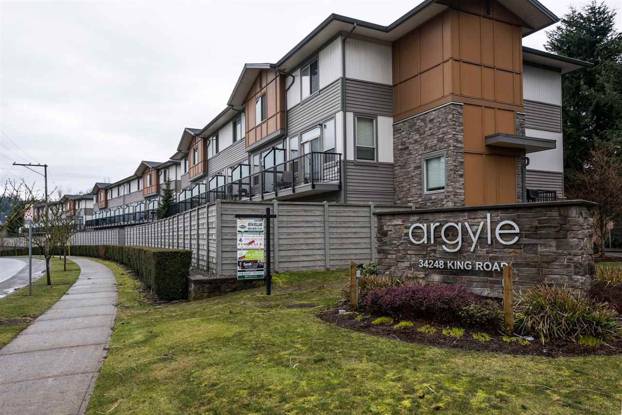 """Main Photo: 79 34248 KING Road in Abbotsford: Poplar Townhouse for sale in """"The Argyle"""" : MLS®# R2145854"""