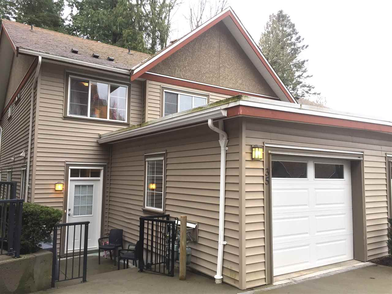 """Main Photo: 35 35626 MCKEE Road in Abbotsford: Abbotsford East Townhouse for sale in """"Ledgeview  Villas"""" : MLS®# R2147131"""