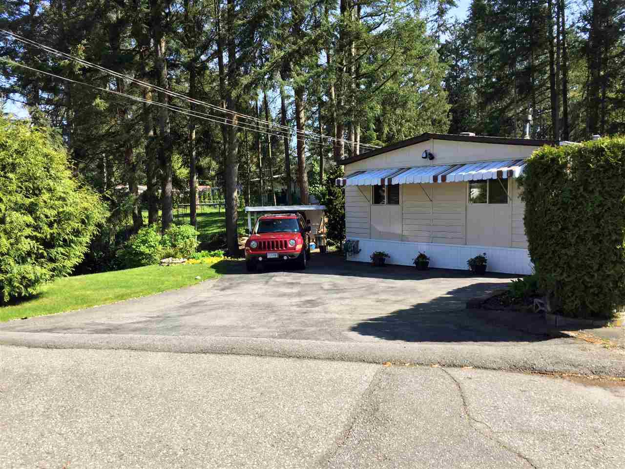 """Main Photo: 72 3931 198TH Street in Langley: Brookswood Langley Manufactured Home for sale in """"Brookswood Estates"""" : MLS®# R2162495"""