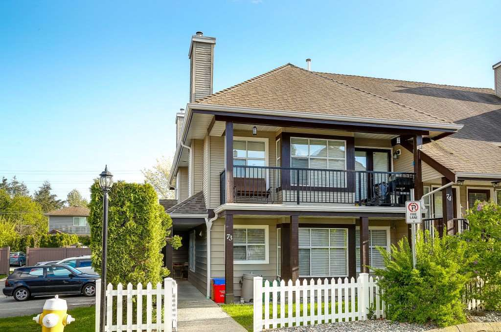 "Main Photo: 73 12099 237 Street in Maple Ridge: East Central Townhouse for sale in ""GABRIOLA"" : MLS®# R2163095"