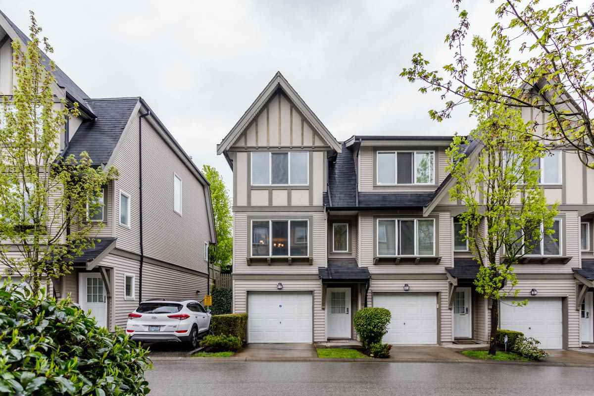 "Main Photo: 27 8775 161 Street in Surrey: Fleetwood Tynehead Townhouse for sale in ""Ballantyne"" : MLS®# R2164896"