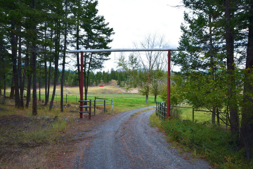 Main Photo: 5073 Back Road in Westwold: Monte Lake / Westwold House for sale ()  : MLS®# 10124285