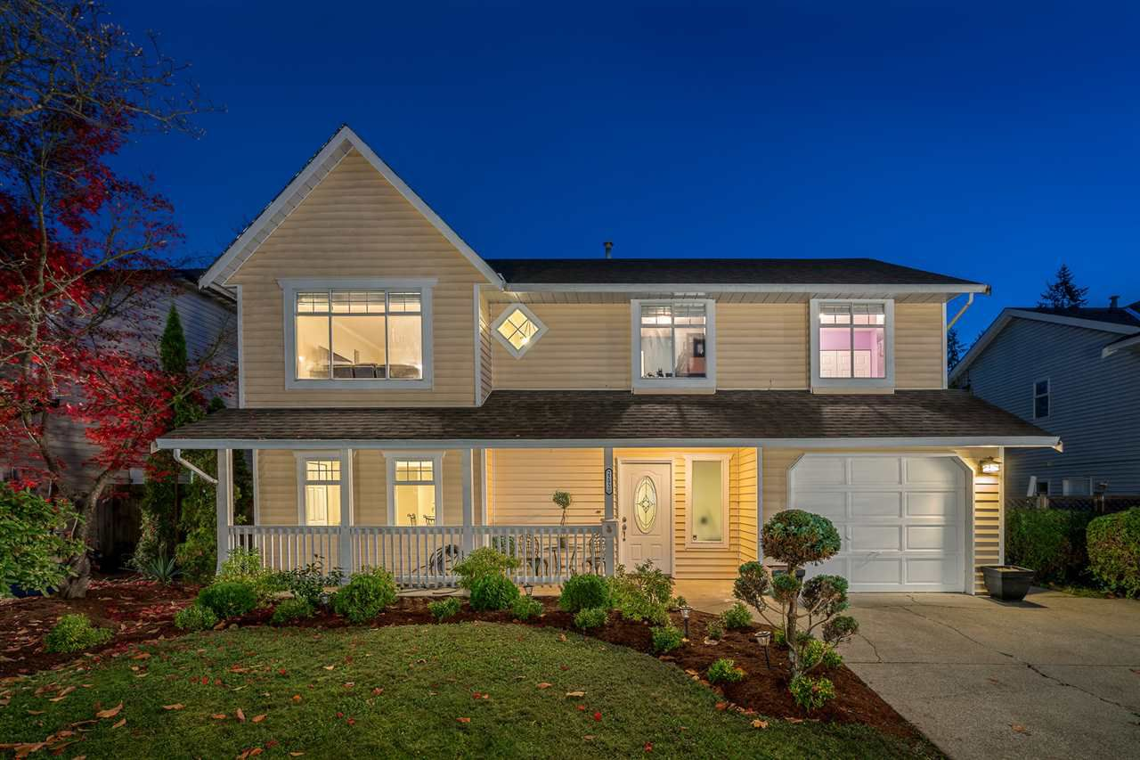 Main Photo: 22920 CLIFF AVENUE in Maple Ridge: East Central House for sale : MLS®# R2220257