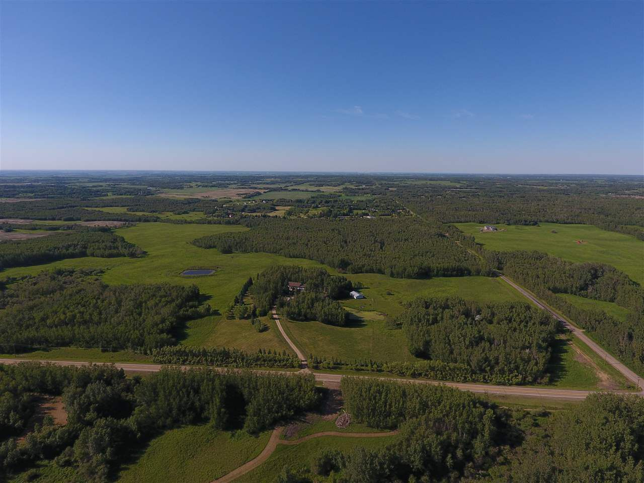 Main Photo: 22014 Township Rd 530: Rural Strathcona County House for sale : MLS®# E4095036