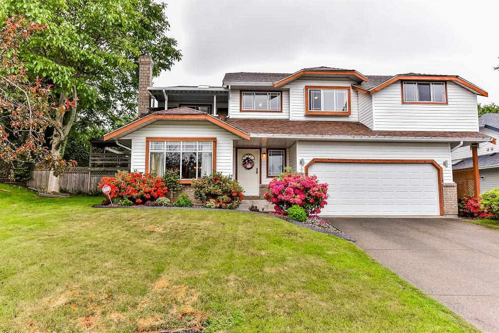Main Photo: 6991 143A STREET in : East Newton House for sale : MLS®# R2184731