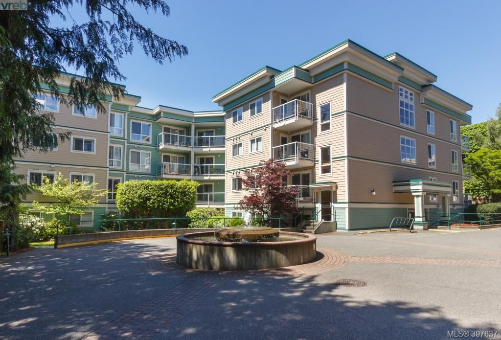 Main Photo: 306 649 Bay Street in VICTORIA: Vi Downtown Condo Apartment for sale (Victoria)  : MLS®# 397637