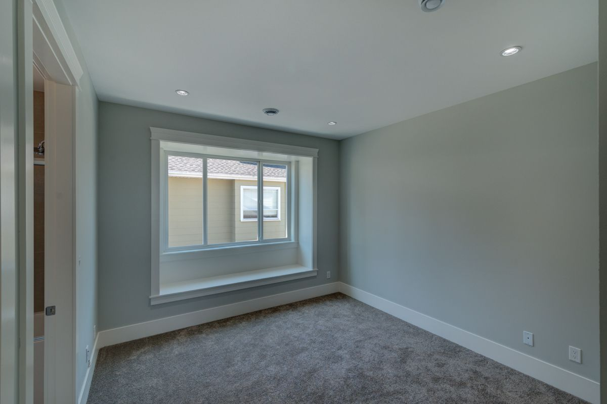 "Photo 32: Photos: 334 HOULT Street in New Westminster: The Heights NW House for sale in ""The Heights"" : MLS®# R2311281"