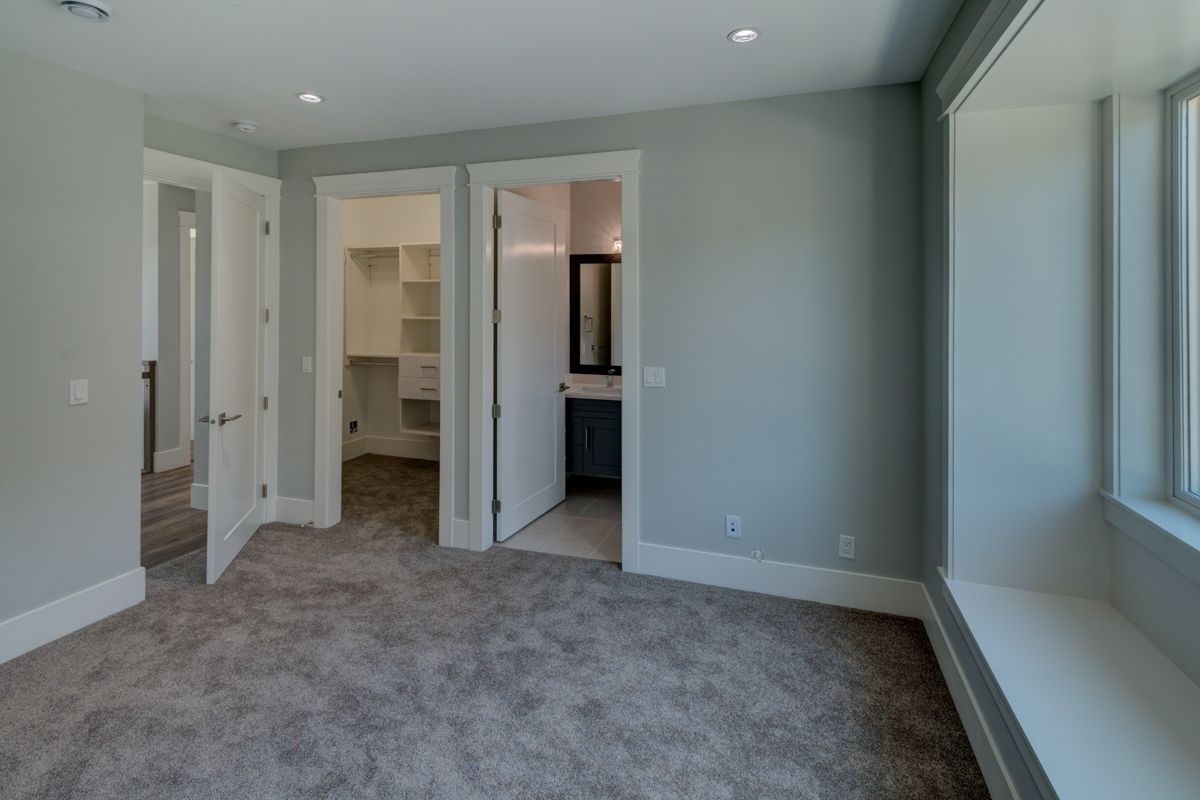 "Photo 34: Photos: 334 HOULT Street in New Westminster: The Heights NW House for sale in ""The Heights"" : MLS®# R2311281"