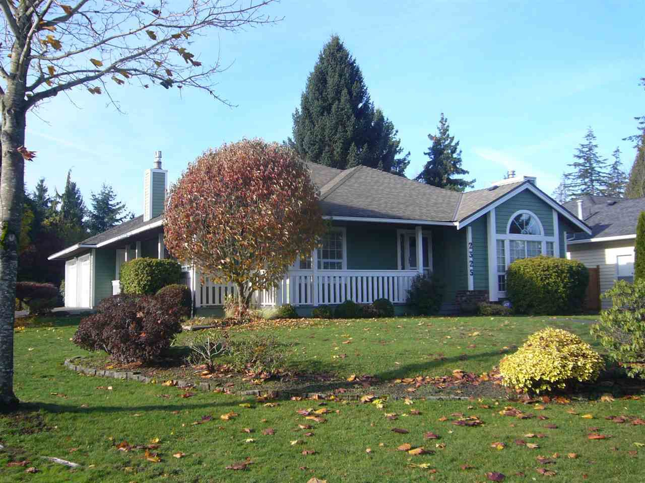 Main Photo: 2325 151A Street in Surrey: Sunnyside Park Surrey House for sale (South Surrey White Rock)  : MLS®# R2322221
