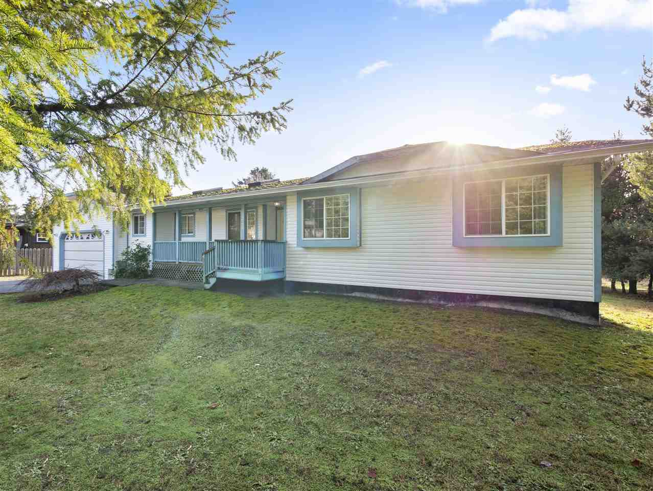 Main Photo: 1271 FITCHETT Road in Gibsons: Gibsons & Area House for sale (Sunshine Coast)  : MLS®# R2334465