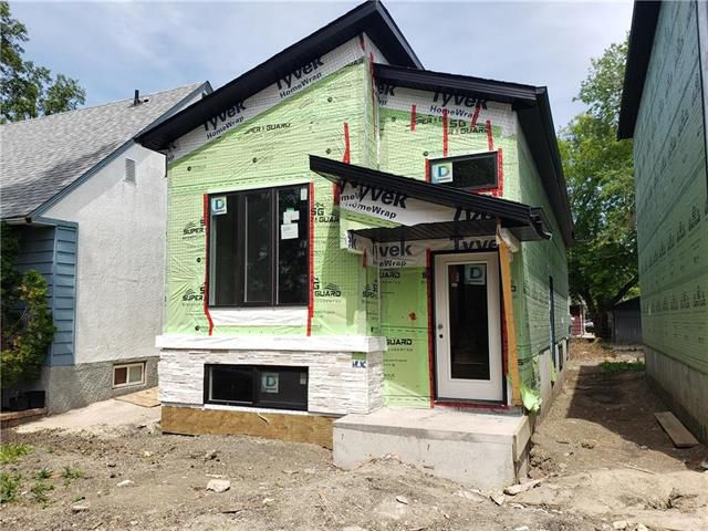 Main Photo: 1035 Royse Avenue in Winnipeg: West Fort Garry Residential for sale (1Jw)  : MLS®# 1916987
