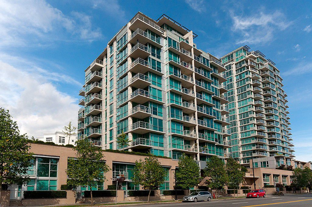 "Main Photo: 1001 168 E ESPLANADE in North Vancouver: Lower Lonsdale Condo for sale in ""ESPLANADE WEST AT THE PIER"" : MLS®# V1106117"