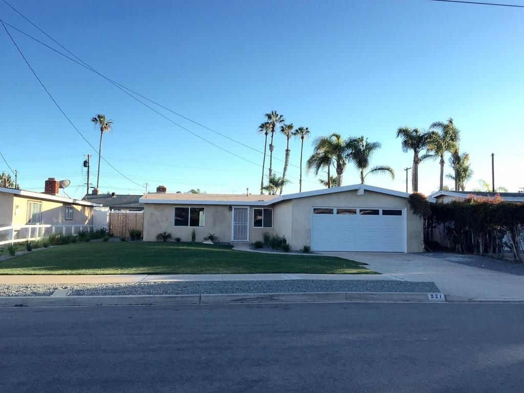 Main Photo: IMPERIAL BEACH House for sale : 3 bedrooms : 921 Grove Ave
