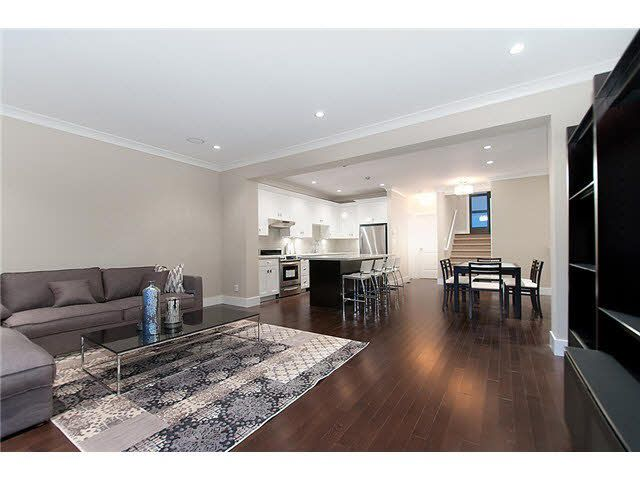 Main Photo: 413 E 4TH STREET in : Lower Lonsdale House for sale : MLS®# V1002775