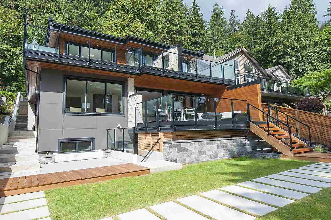 Main Photo: 2422 BADGER Road in North Vancouver: Deep Cove House for sale : MLS®# R2137109