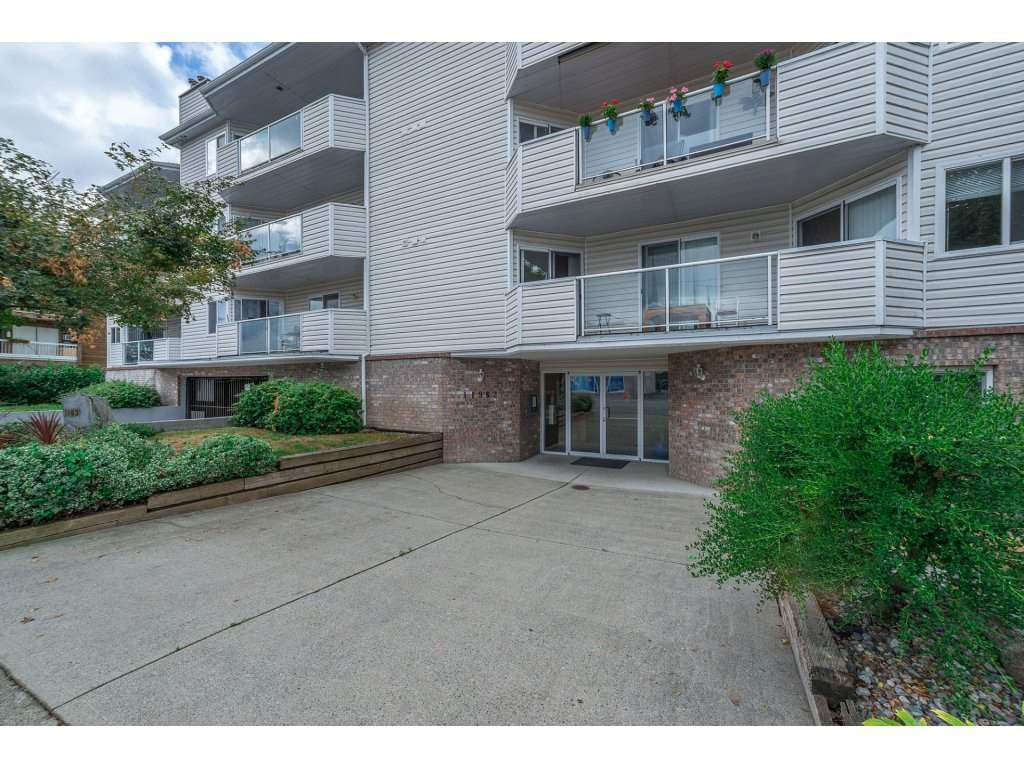 "Main Photo: 201 11963 223 Street in Maple Ridge: West Central Condo for sale in ""THE DORCHESTER"" : MLS®# R2207093"