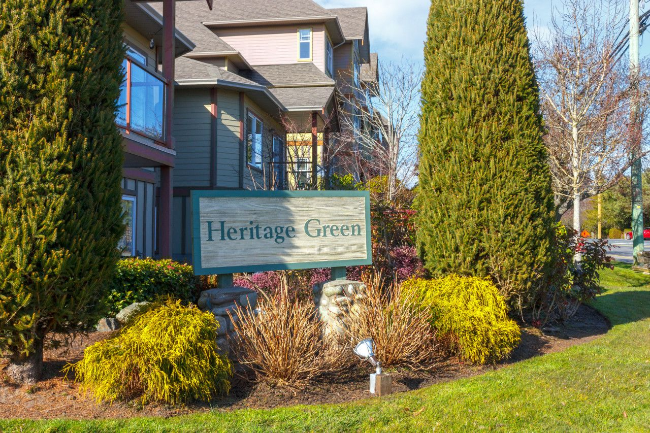 Main Photo: 208 1959 Polo Park Court in SAANICHTON: CS Saanichton Condo Apartment for sale (Central Saanich)  : MLS®# 391001
