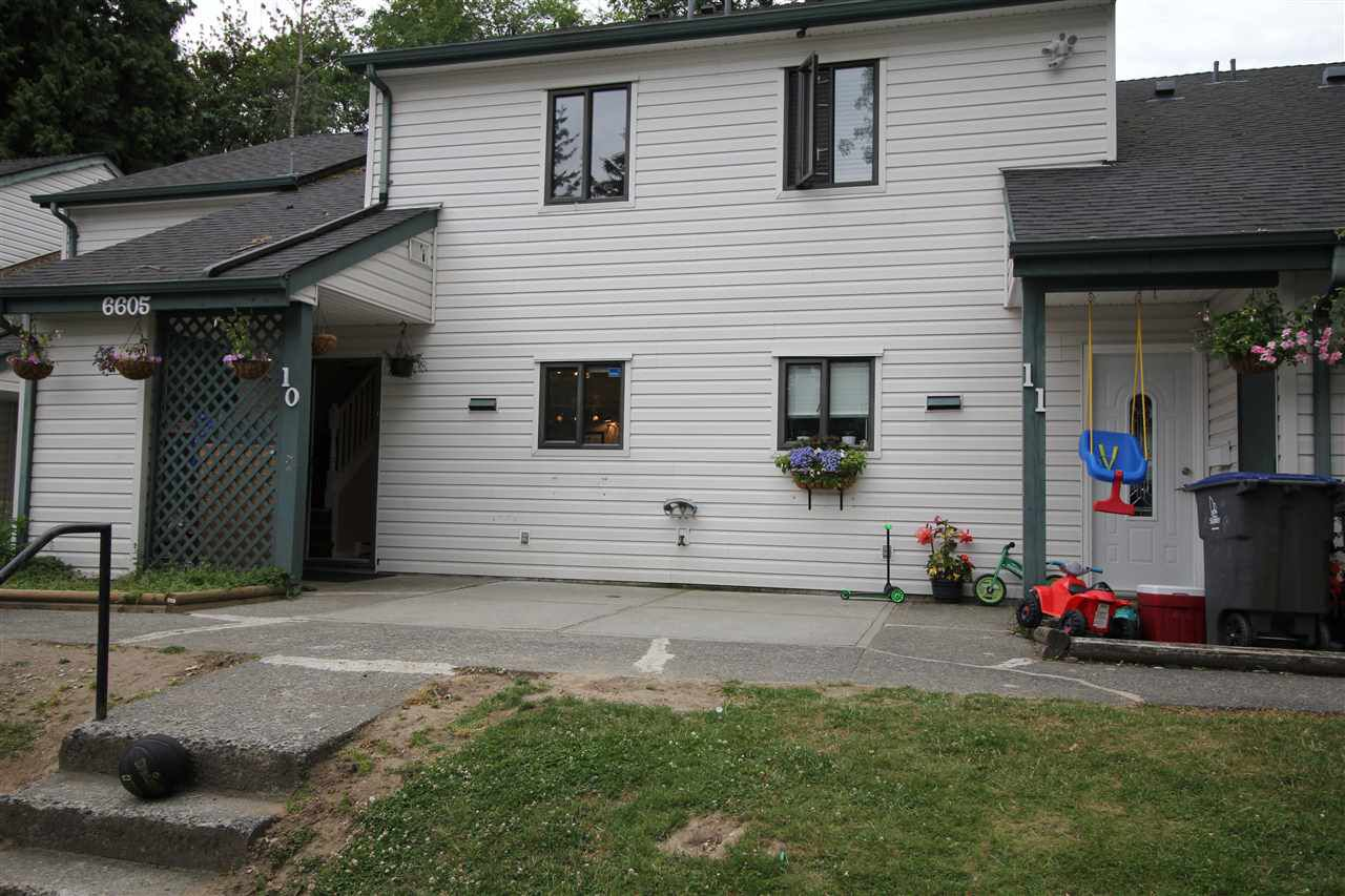 Main Photo: 10 6605 138 Street in Surrey: East Newton Townhouse for sale : MLS®# R2284634