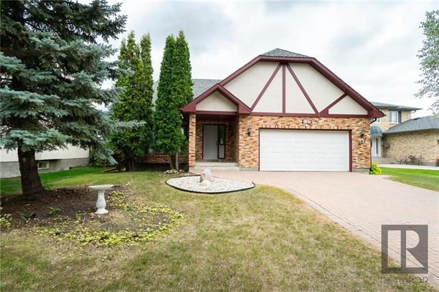 Main Photo: 127 Eastcote Drive in Winnipeg: River Park South Residential for sale (2F)  : MLS®# 1821235