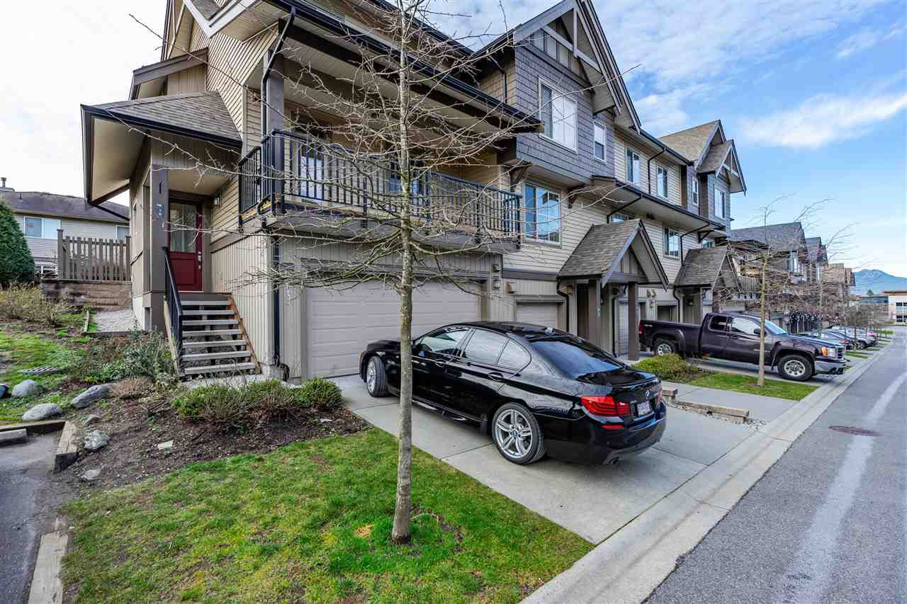 "Main Photo: 70 9525 204 Street in Langley: Walnut Grove Townhouse for sale in ""TIME"" : MLS®# R2335818"
