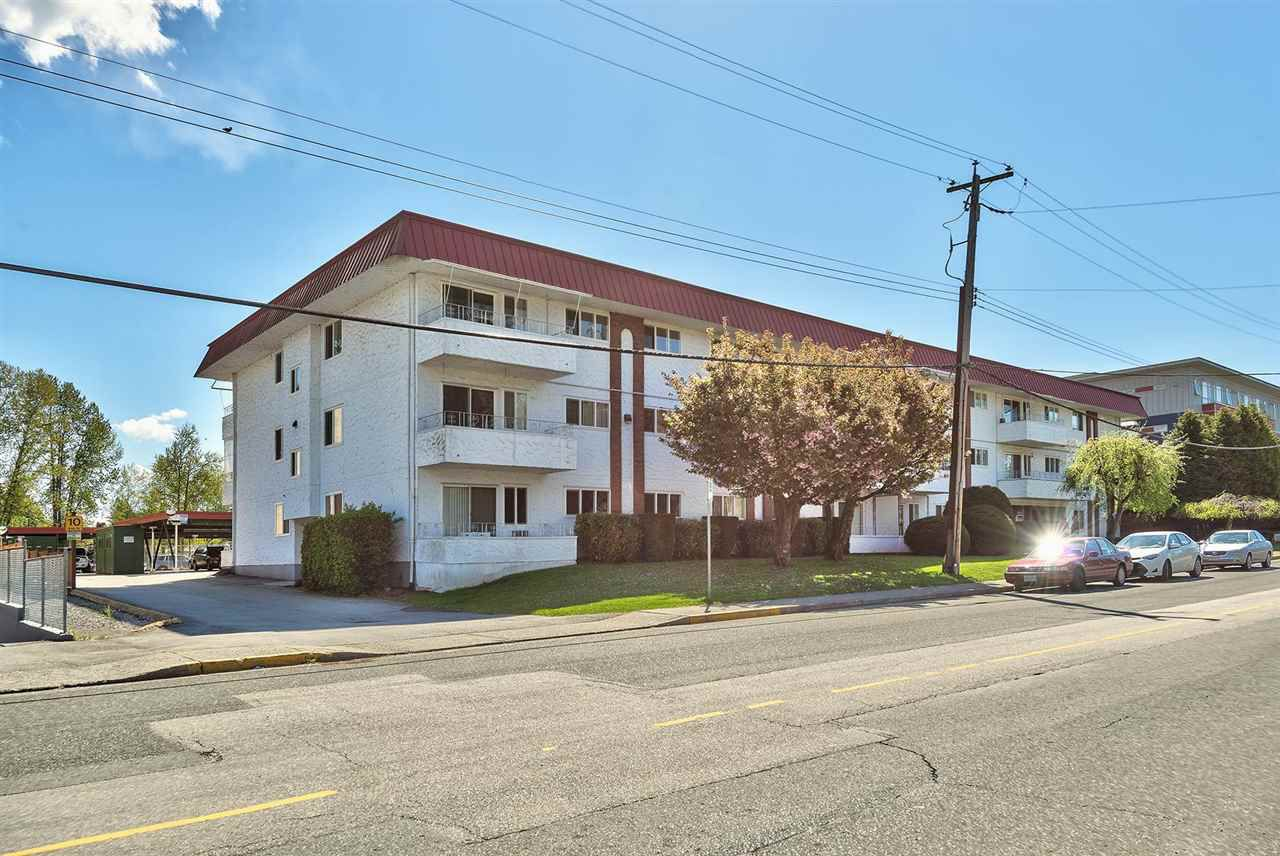 """Main Photo: 307 12096 222ND Street in Maple Ridge: West Central Condo for sale in """"Canuck Place"""" : MLS®# R2364171"""