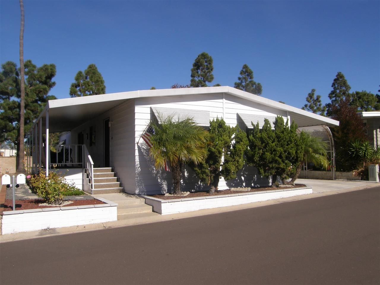 Main Photo: CARLSBAD SOUTH Manufactured Home for sale : 2 bedrooms : 7304 San Bartolo #209 in Carlsbad