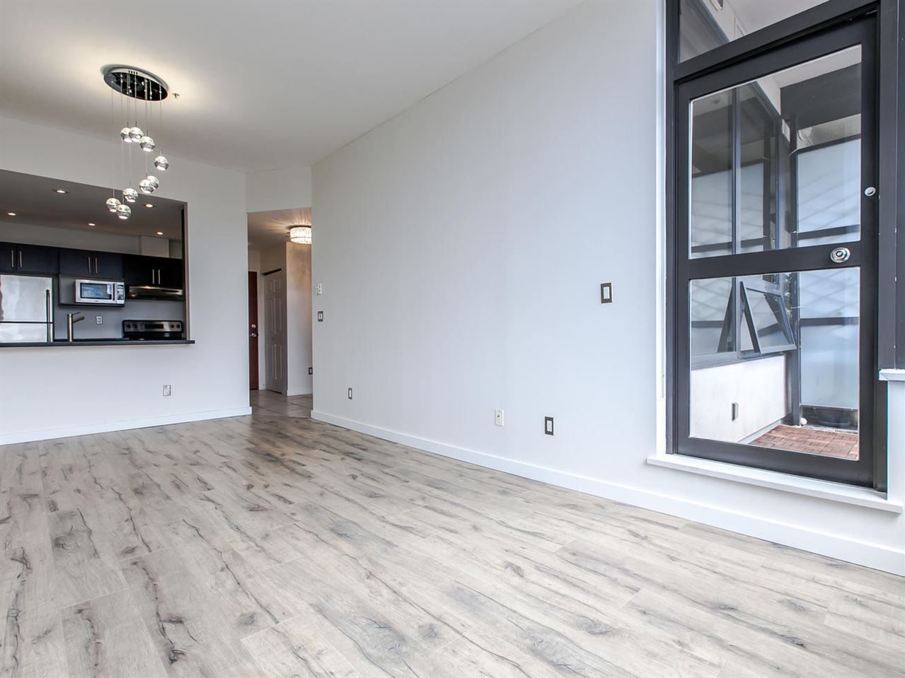 """Main Photo: 807 1010 HOWE Street in Vancouver: Downtown VW Condo for sale in """"FORTUNE HOUSE"""" (Vancouver West)  : MLS®# R2089464"""