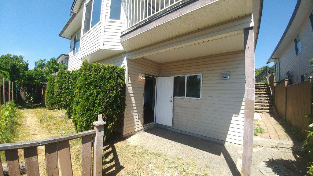 Main Photo: 33810 Blueberry Drive - Bsmt in Mission: Condo for rent