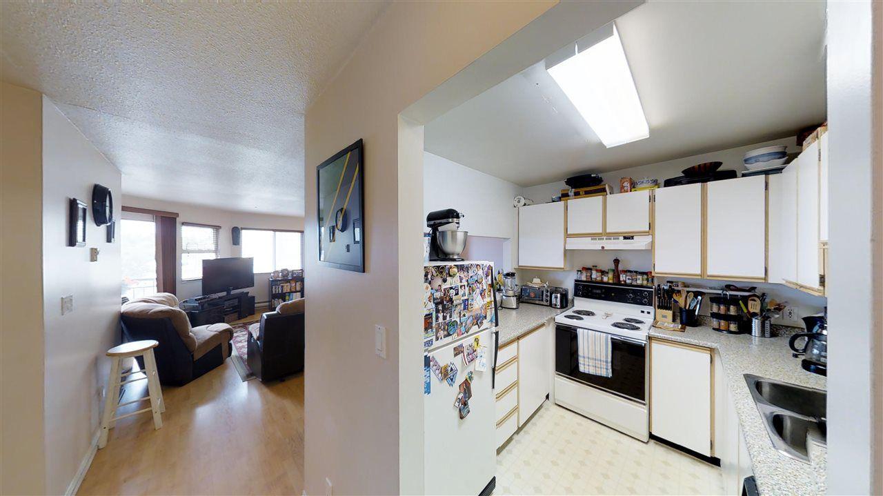 Main Photo: 202 918 RODERICK Avenue in Coquitlam: Maillardville Condo for sale : MLS®# R2191467
