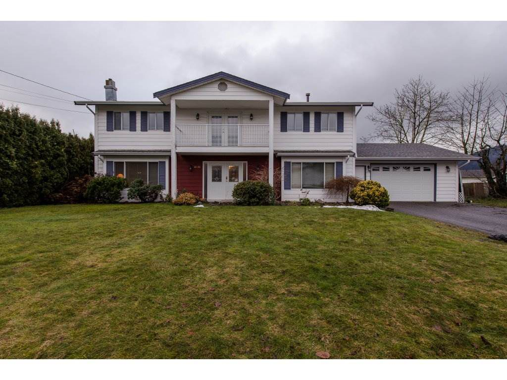 """Main Photo: 46456 SEAHOLM Crescent in Chilliwack: Fairfield Island House for sale in """"Fairfield Island"""" : MLS®# R2233541"""