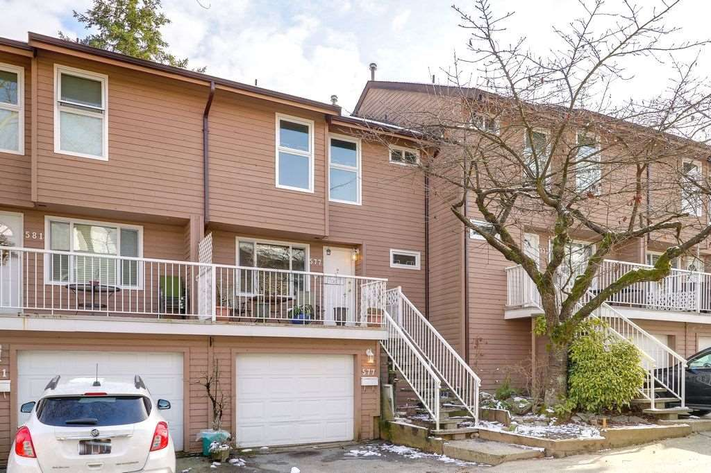 """Main Photo: 577 CARLSEN Place in Port Moody: North Shore Pt Moody Townhouse for sale in """"EAGLE POINT"""" : MLS®# R2241588"""