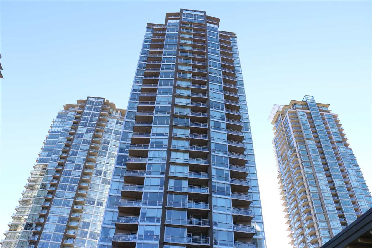 "Main Photo: 2107 2968 GLEN Drive in Coquitlam: North Coquitlam Condo for sale in ""GRAND CENTRAL 2"" : MLS®# R2342585"