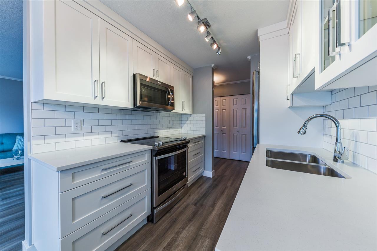 Main Photo: 15 20799 119 Avenue in Maple Ridge: Southwest Maple Ridge Townhouse for sale : MLS®# R2350767