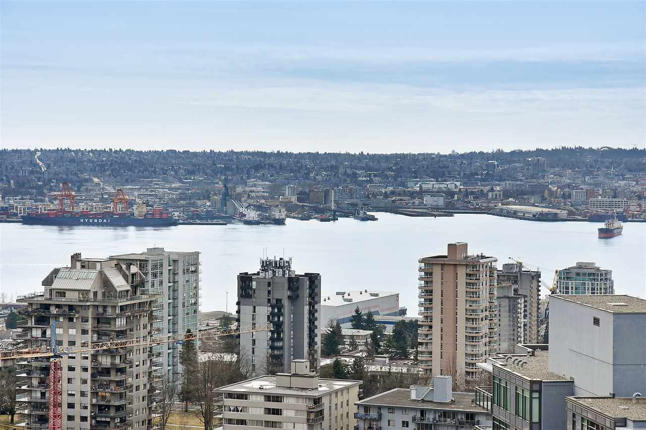 "Main Photo: 2002 125 E 14 Street in North Vancouver: Central Lonsdale Condo for sale in ""CENTREVIEW"" : MLS®# R2366804"
