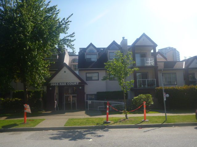 """Main Photo: 206 3668 RAE Avenue in Vancouver: Collingwood VE Condo for sale in """"RAE COURT"""" (Vancouver East)  : MLS®# R2376872"""