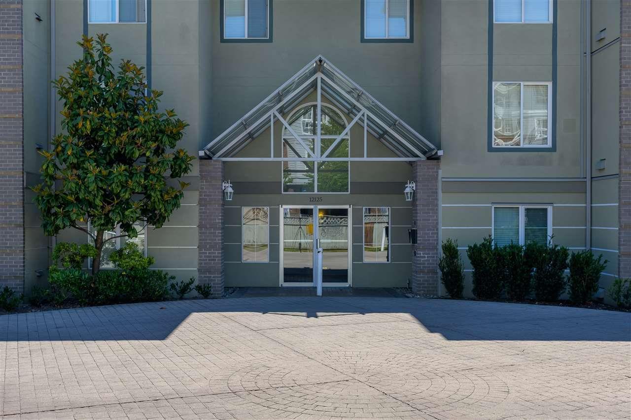 "Main Photo: 402 12125 75A Avenue in Surrey: West Newton Condo for sale in ""STRAWBERRY HILLS ESTATE"" : MLS®# R2379850"
