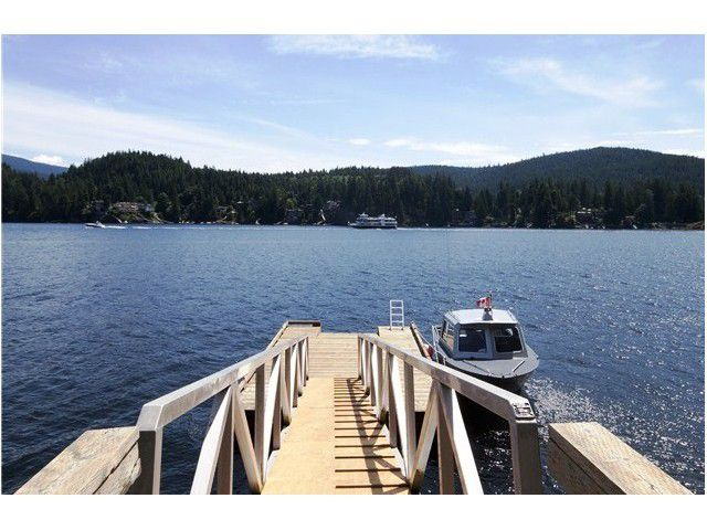 Main Photo: 1736 SE NAOMI Place in North Vancouver: Deep Cove House for sale : MLS®# V1005937