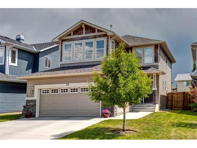 Main Photo: 23 AUTUMN Gardens SE in Calgary: Auburn Bay House for sale : MLS®# C4017577