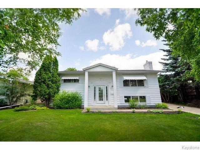 Main Photo: 75 Valley View Drive in WINNIPEG: Westwood / Crestview Residential for sale (West Winnipeg)  : MLS®# 1518931
