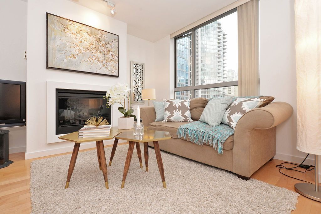"""Main Photo: 909 1225 RICHARDS Street in Vancouver: Downtown VW Condo for sale in """"EDEN"""" (Vancouver West)  : MLS®# R2042711"""