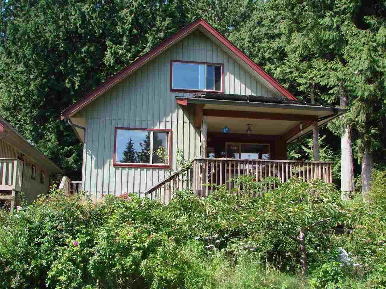 "Main Photo: 13 1131 EMERY Road: Roberts Creek House for sale in ""C0-HOUSING"" (Sunshine Coast)  : MLS®# R2092912"