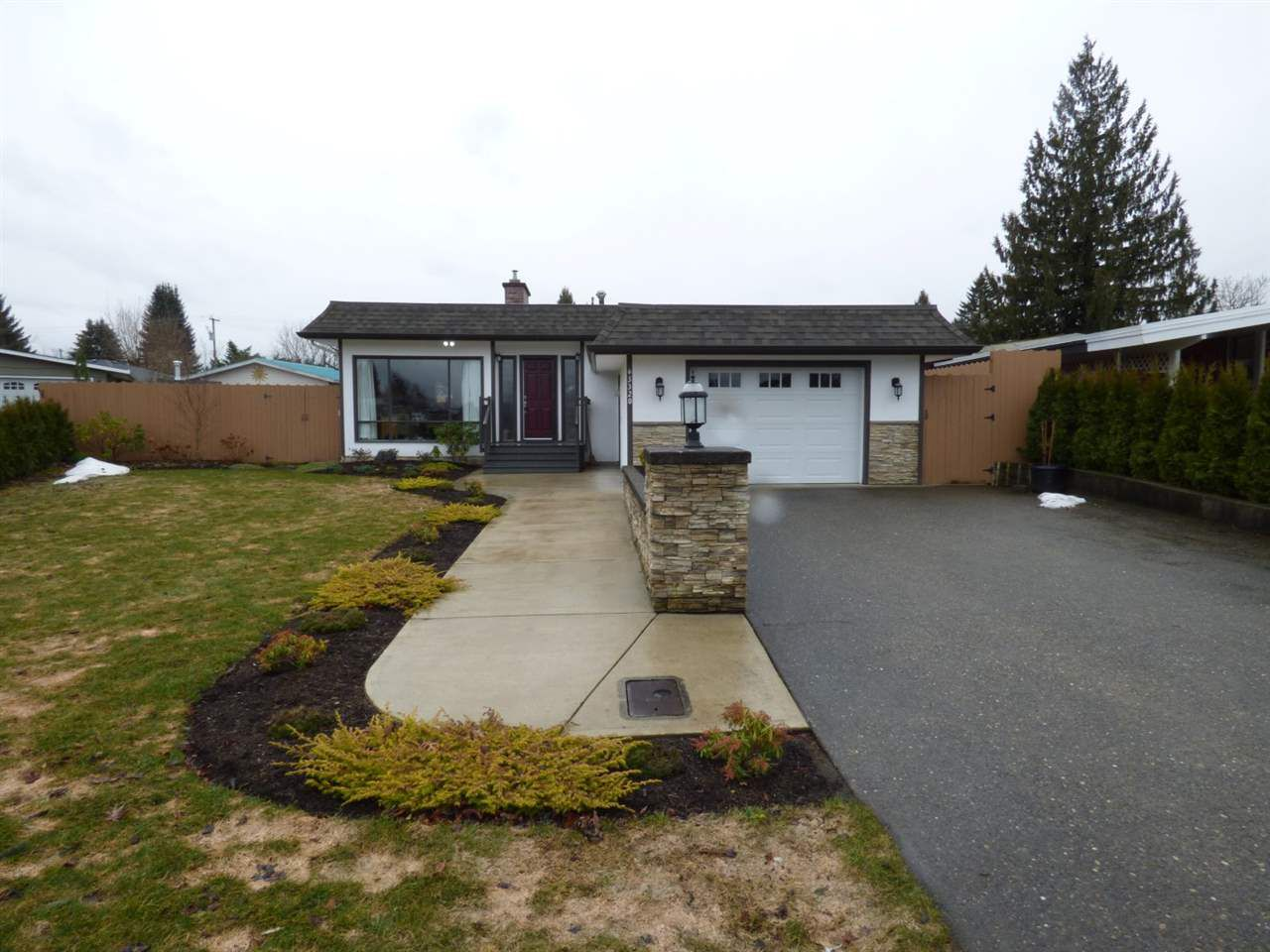 Main Photo: 45320 PAISLEY Avenue in Chilliwack: Chilliwack W Young-Well House for sale : MLS®# R2143339