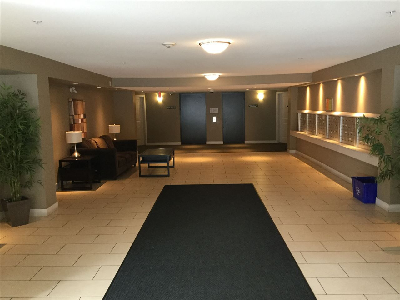 "Main Photo: 305 12248 224 Street in Maple Ridge: East Central Condo for sale in ""Urbano"" : MLS®# R2151135"