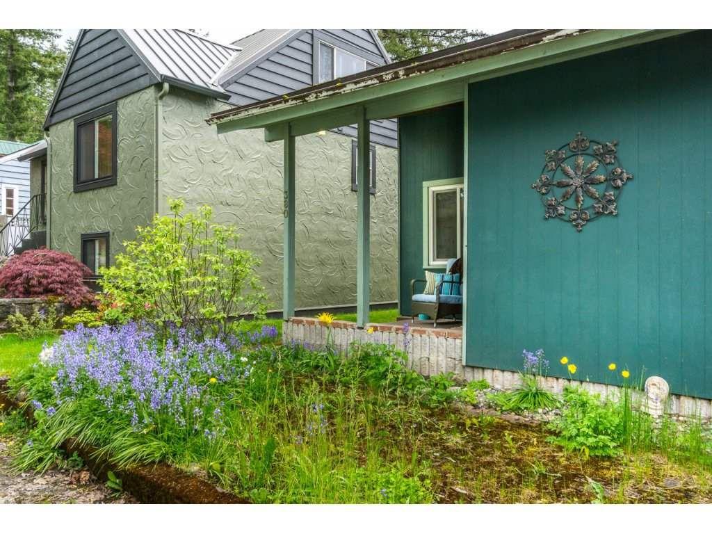"Main Photo: 380 CEDAR Street: Cultus Lake House for sale in ""CULTUS LAKE"" : MLS®# R2168375"