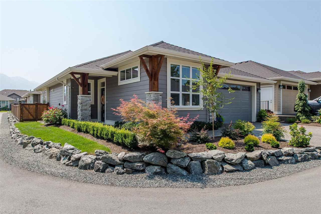 """Main Photo: 112 6540 DOGWOOD Drive in Sardis: Sardis West Vedder Rd House for sale in """"DOGWOOD CROSSING"""" : MLS®# R2189352"""